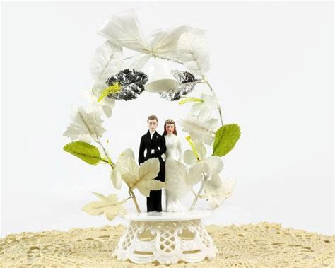Wedding Cake Topper, Bride and Groom, Floral Arch, 1950s