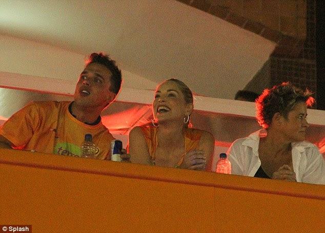 Rostos famosos: Sharon Stone goza o Carnaval em Salvador