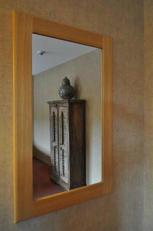 Petit salon privé dans la chambre - Picture of Panorama Hotel ...