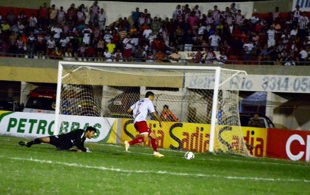 Potiguar de Mossoró x Portuguesa, no Estádio Nogueirão (Foto: Wilson Moreno/Gazeta do Oeste)