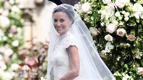 pippa middletons wedding      dress