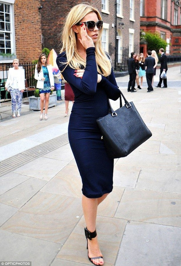 A style bodycon for how to winter dress juniors