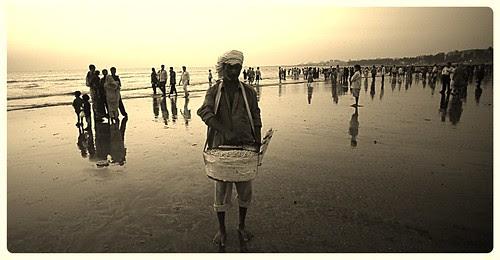 Juhu Beach Ka Bhaiyya Seng Chanawala by firoze shakir photographerno1