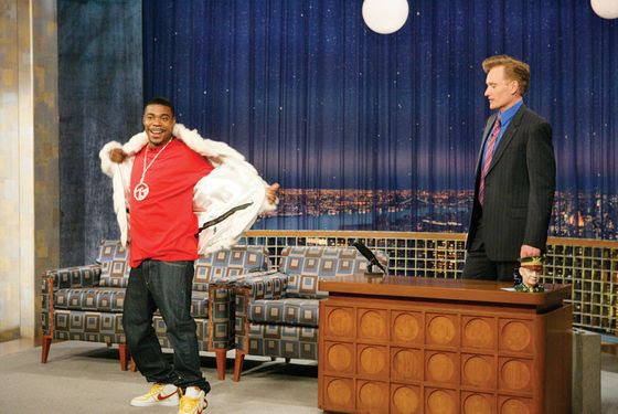 "30 ROCK -- ""Tracy Does Conan"" Episode 106 -- Air Date 12/07/2006 -- Pictured: (l-r) Tracy Morgan as Tracy Jordan, Conan O'Brien  (Photo by Virginia Sherwood/NBC/NBCU Photo Bank via Getty Images)"