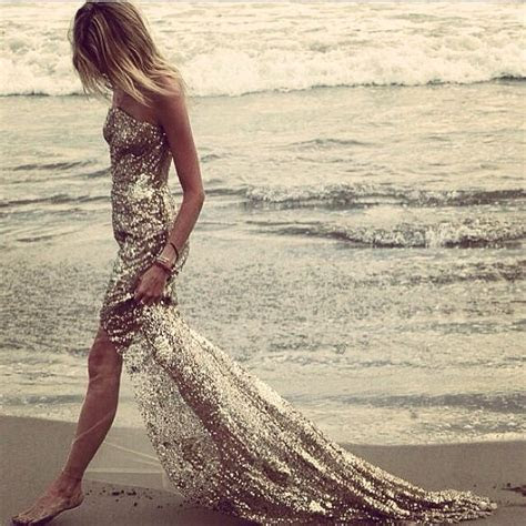 Dress beach sand glitter pinterest.com/sahstarr   Street