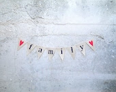 Family Burlap Banner with Red Hearts - MirtilloShop