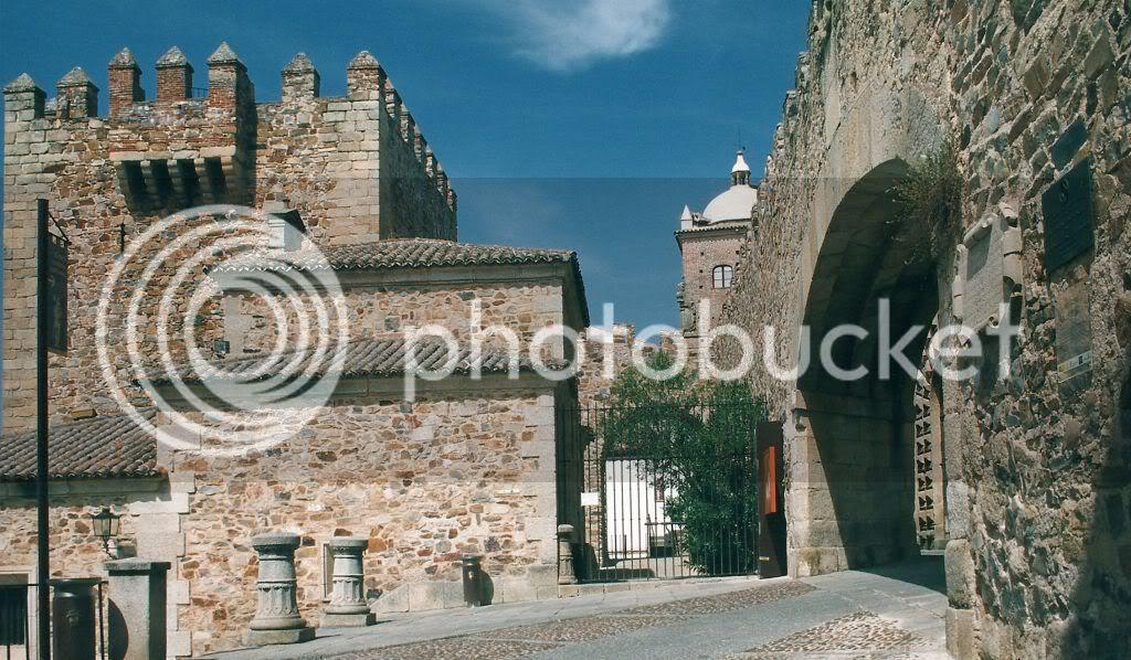 Cáceres. Torre de Bujaco y Arco de la Estrella