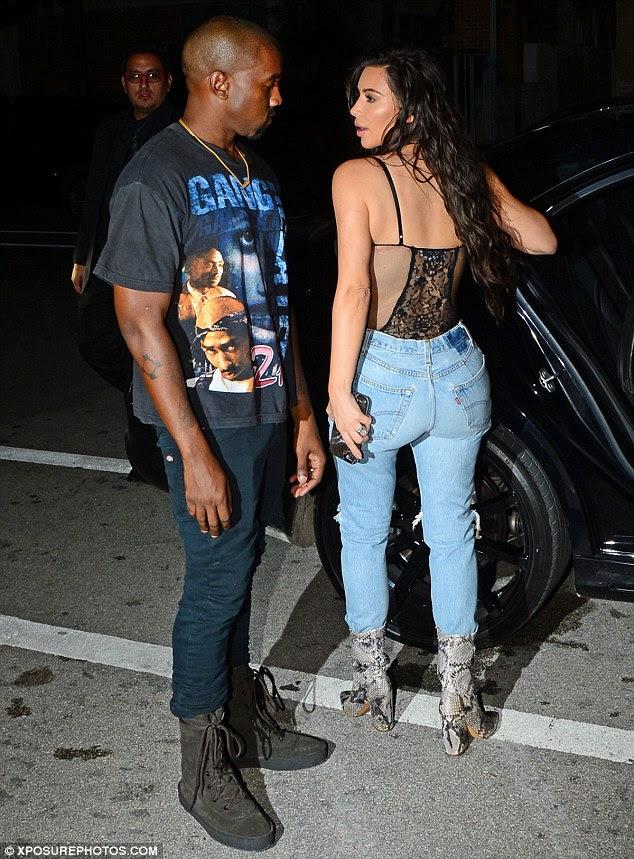 Data noite: Kim tinha gostado do jantar com o marido Kanye e suas irmãs Kourtney e Khloe