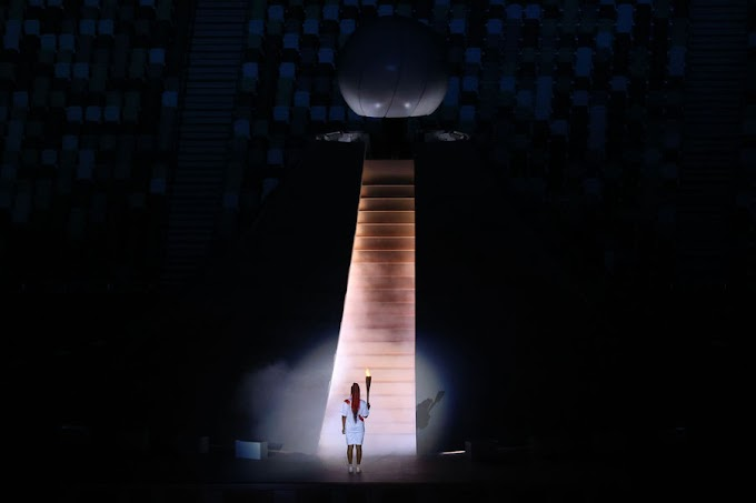 ВТокио погас олимпийский огонь