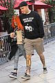 paramores hayley williams splits from husband chad gilbert 05