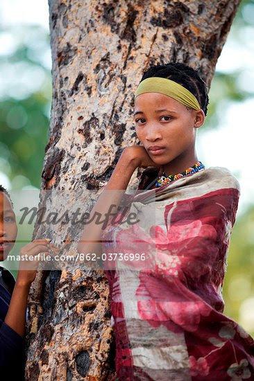 chDU2okhZZhdjDDA ByYdaqDdm1rYuJaowEAbbLyMVaCYKK9zzCIgqOawrdHXskh5Gm WSKcE4s xMO44Rp4Ht9taAZha5jBivJM2YZ2XI8=s0 d San Bushmen People, The World Most Ancient Race People In Africa