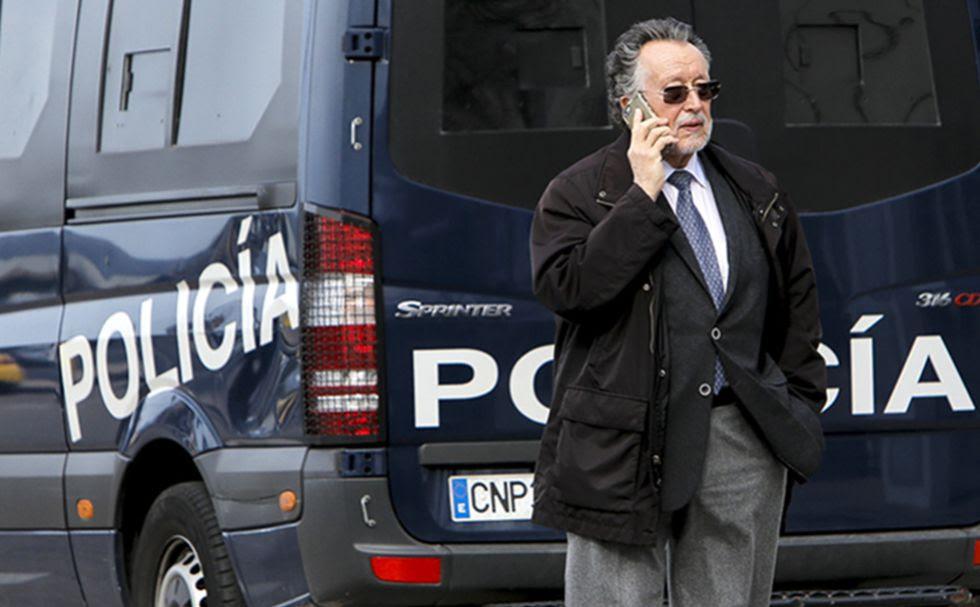 Alfonso Grau antes de entrar a una sesión del juicio por el Caso Nóos.