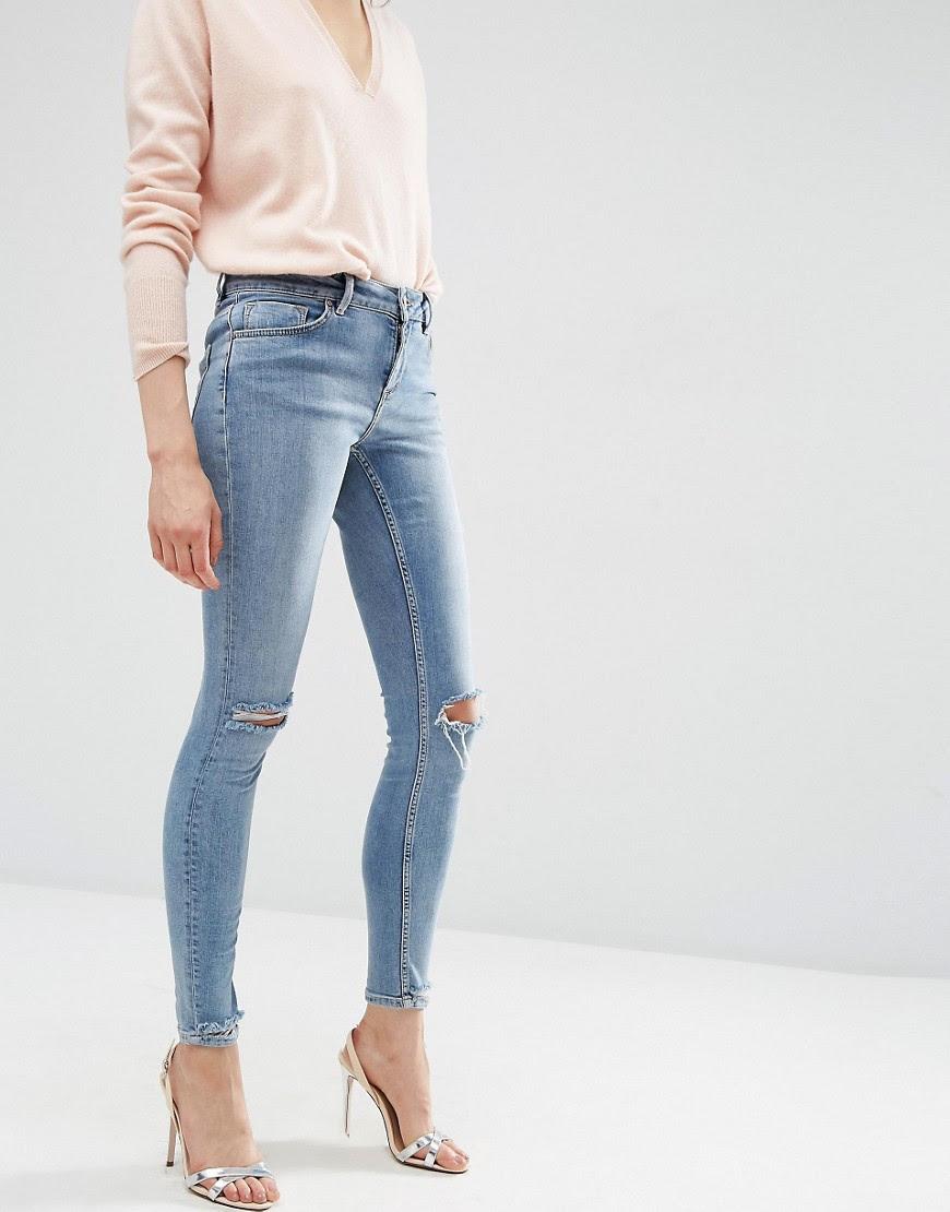 Bild 1 von ASOS – Lisbon – Skinny-Jeans in Shelby Light Stonewash mit mittelhohem Bund, Zierrissen an den Knien und Saum um Used-Look