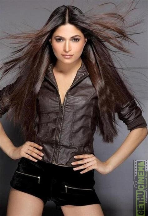 actress parvathy omanakuttan hot gallery gethu cinema