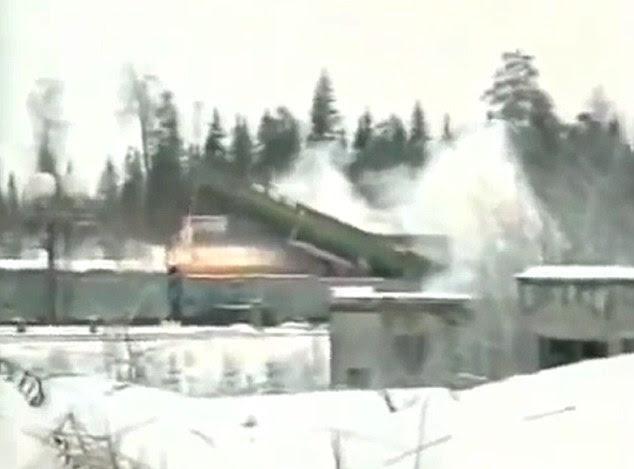 Τα τρένα, γεμάτη με βαλλιστικούς πυραύλους, θα μεταμφιέζεται ως απλοί επιβάτες ή εμπορευματικές αμαξοστοιχίες, αλλά θα φέρει τεράστια εκτοξευτές πυραύλων