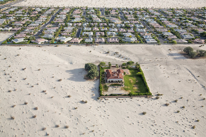 Homes in Rancho Mirage, Calif., in the Coachella Valley. Gov. Jerry Brown has ordered a 25 percent statewide reduction in non-agricultural water use. Credit Damon Winter/The New York Times