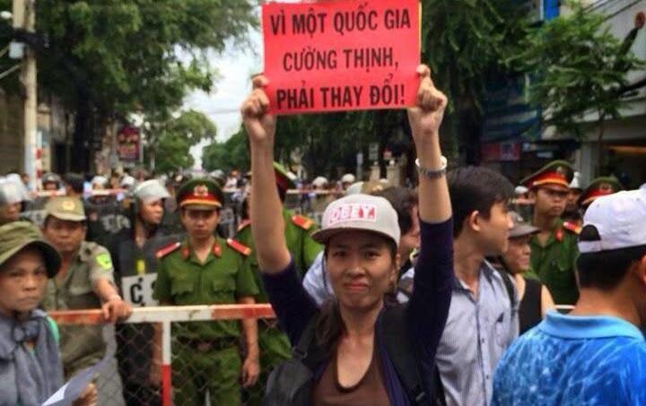 Tòa Đại Sứ Hoa Kỳ lên tiếng về thư kêu cứu của con gái blogger Mẹ Nấm