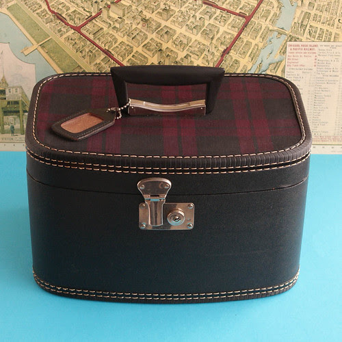 Vintage Plaid Top Train Case