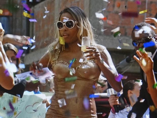 Maria Vanúbia é só glamour! (Foto: Salve Jorge/TV Globo)