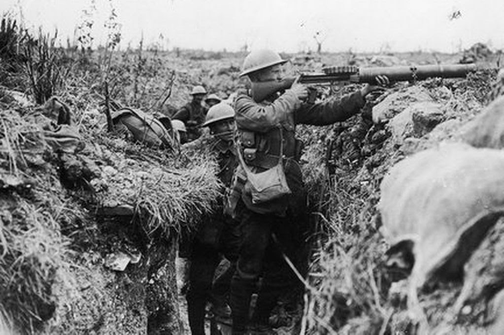 British troops defend Gueluvelt, October 1914