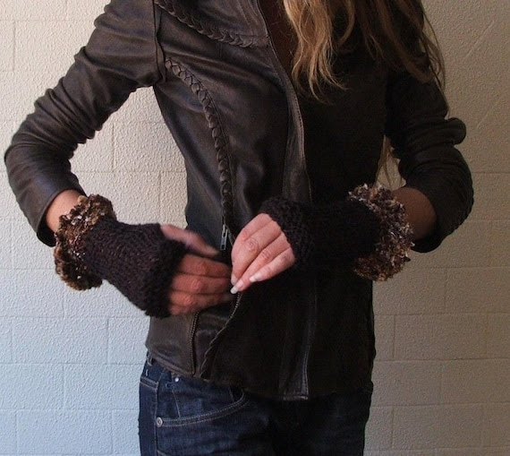 Brown Fingerless gloves, with an amber ginger frill