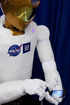 R2 con un iPhone. | NASA