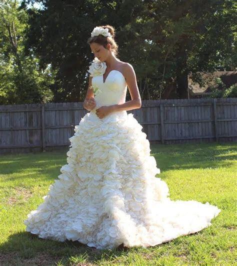 Wedding Contest 2015   Toilet Paper Wedding Dress