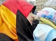 German Muslimas