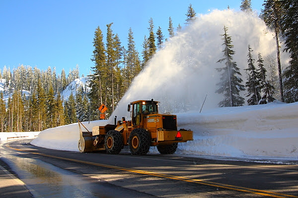 IMG_9446 Snow Plowing, Crater Lake National Park