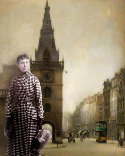 Julia in London by Lynne Larkin
