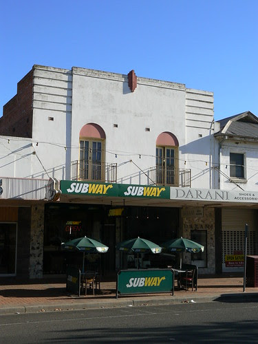 Subway, Griffith