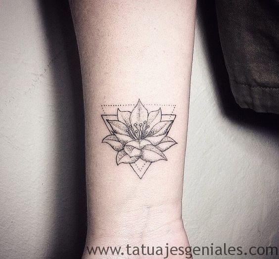 Significado Y Diseños De Tatuajes De Flor De Loto Top 2018