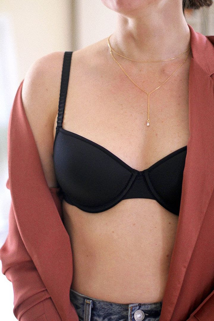 How To Find Bra That Fits Thirdlove Black T Shirt Bra Pink Robe Kimono Layered Drop Charm Necklace Le Fashion Blog