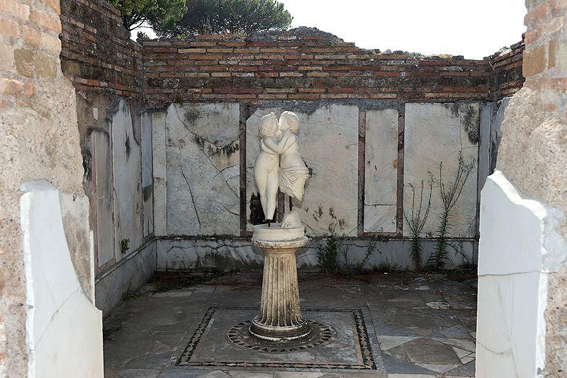 File:Domus di Amore e Psiche Ostia Antica 2006-09-08 n2.jpg