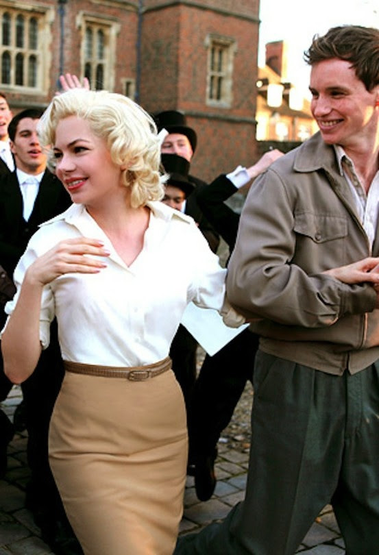 Michelle Williams and Eddie Redmayne in My Week with Marilyn (2011)