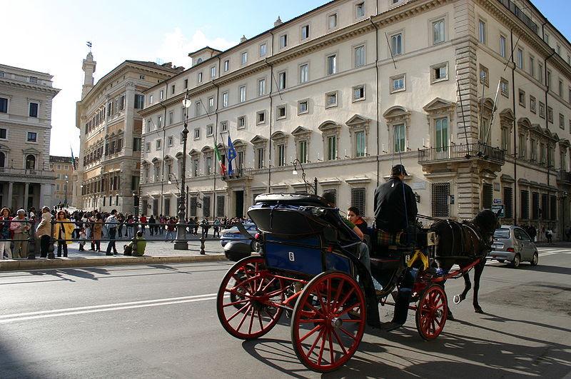 File:8126 - Roma - Piazza Colonna - Foto Giovanni Dall'Orto, 29-Mar-2008.jpg
