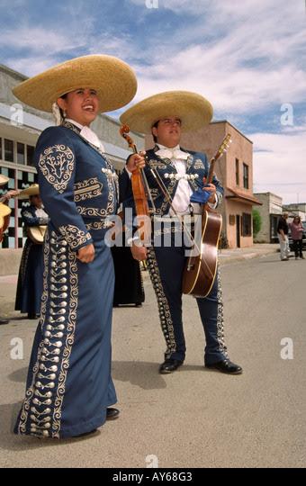 Bilderesultat for mariachi azul marines