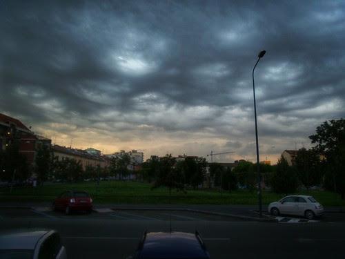 Nuvole di sera o rosso di sera?! by Ylbert Durishti