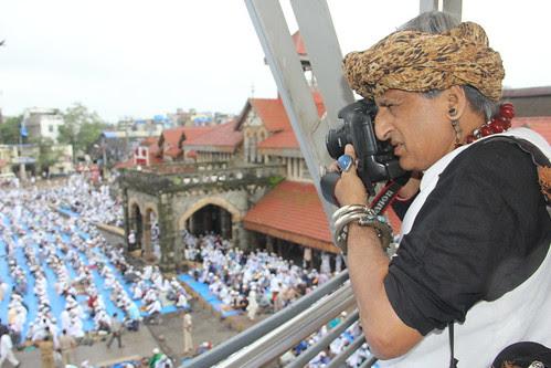 The Malang Shoots  Eid Ul Fitr Namaz 2013 Station Road Bandra by firoze shakir photographerno1