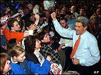John Kerry með stuðningsmönnum