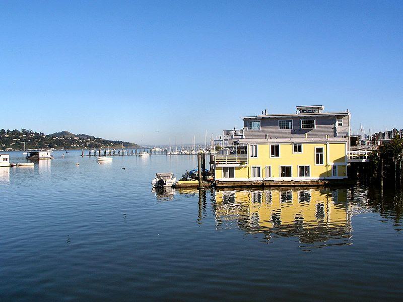 File:Sausalito houseboats.JPG