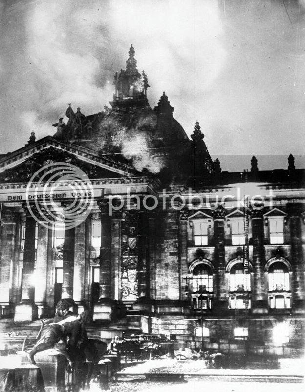 photo 800px-Reichstagsbrand_zps3riqibzc.jpg