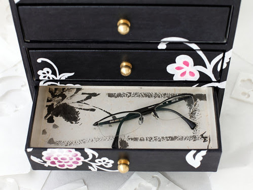 hanji-jewelry-chest-drawer-interior