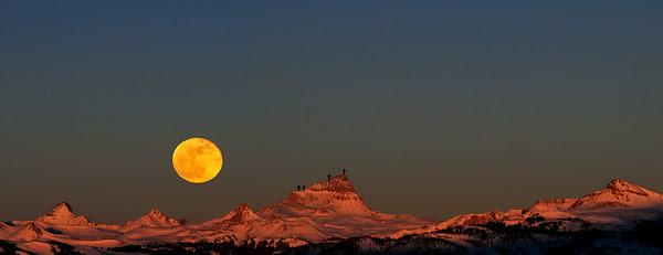 Ken Nolan and friends majestically climbing Uncompahgre Peak in winter