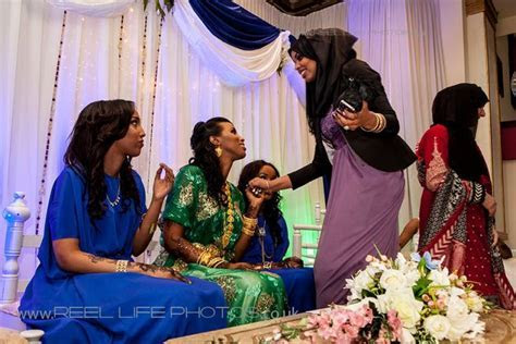 Somali bride (in green) and bridesmaids (in blue) in