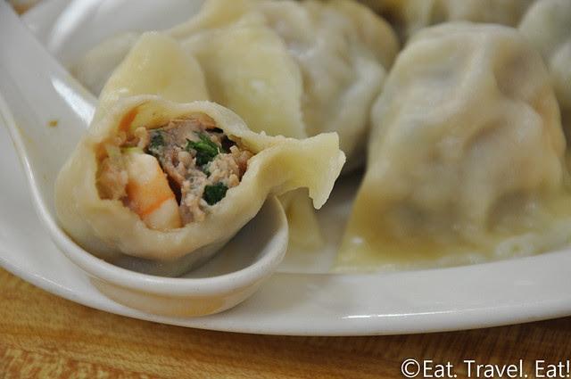 Flavor Garden- Alhambra, CA: Shrimp Pork & Sea Cucumber Dumpling Interior