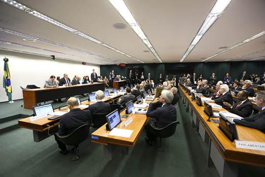 Sessão da comissão especial da reforma da previdência para votação de destaques (Marcelo Camargo/Agência Brasil