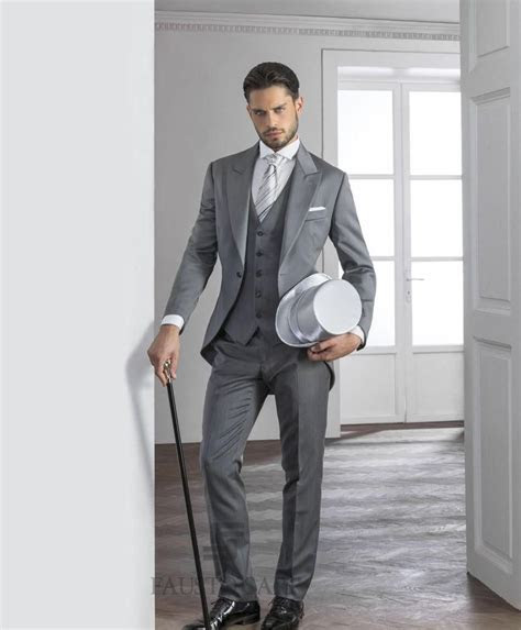 Cheap 2015 Gentleman Grey Mens Suits Peaked Lapel Tuxedos