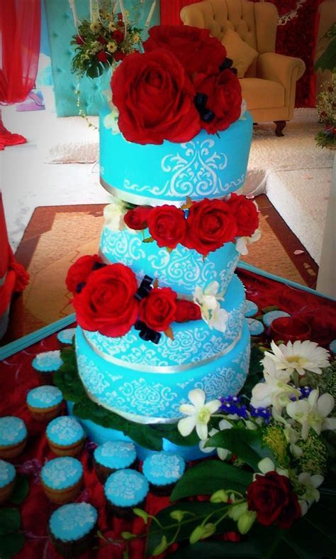 4 Tier Topsy Tiffany Blue with Red Chilli Rose Damask