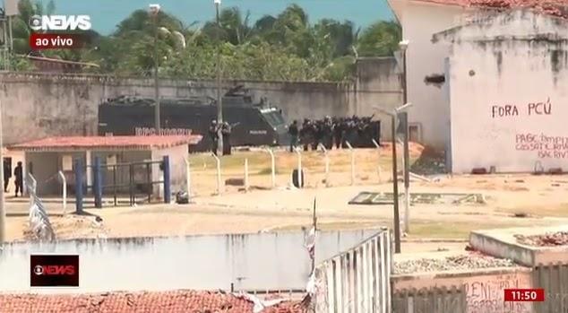 Policiais dão início a operação dentro do presídio de Alcaçuz